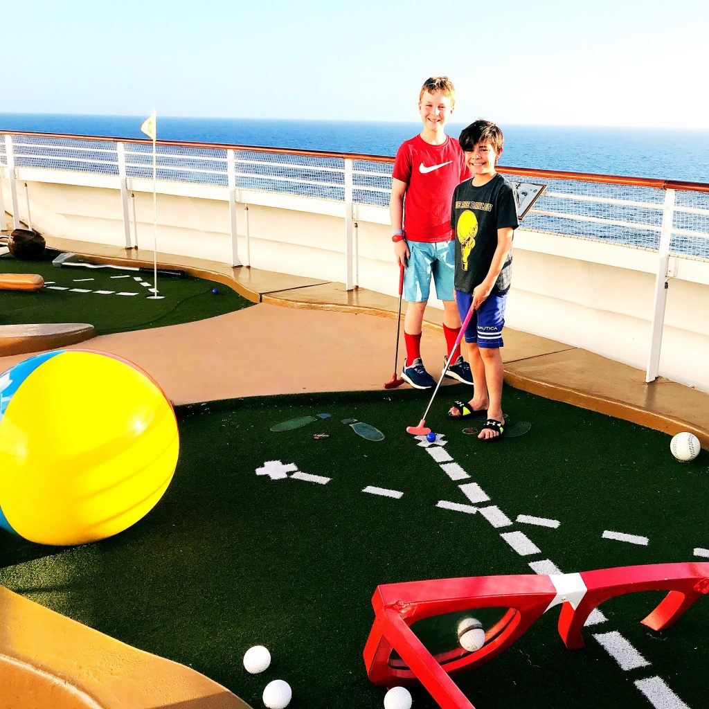 Mini Golf on the Disney Dream